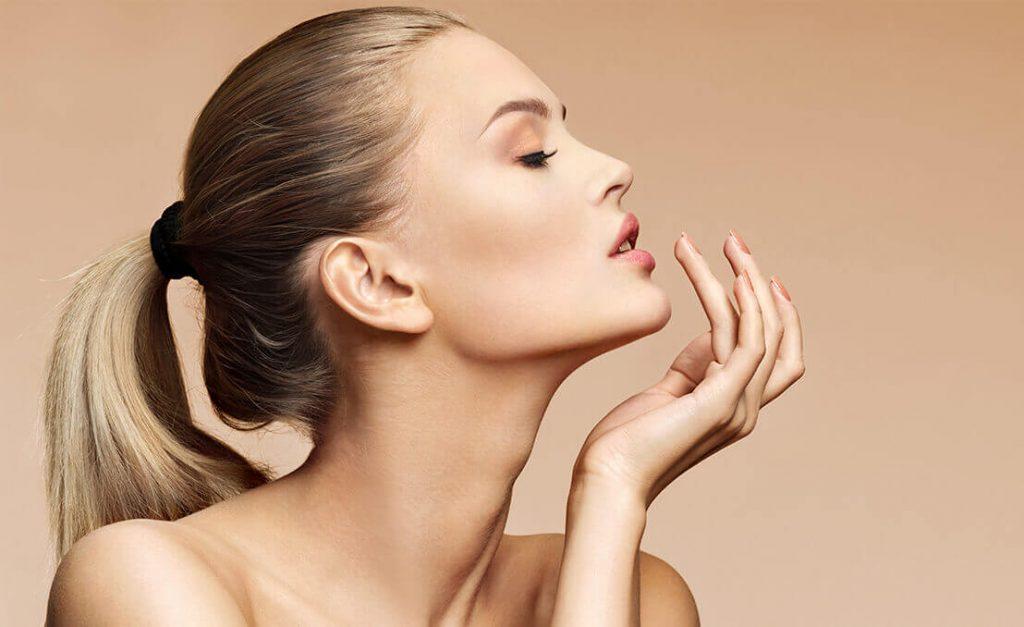 Lip fillers benefits model 01, Skin Confidence